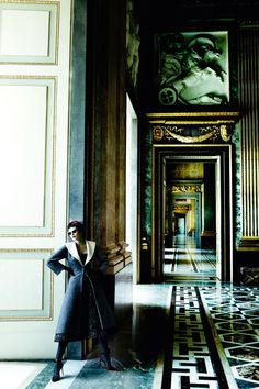 Catherine McNeil Is 'Prima Donna', Lensed By Mario Testino For Vogue UK September 2013 - News for Women, Fashion & Style, Women's Rights - Anne of Carversville Women's News Mario Testino, Catherine Mcneil, Vogue Uk, Fashion Shoot, Editorial Fashion, Vogue Fashion, Paris Fashion, Fashion Models, High Fashion