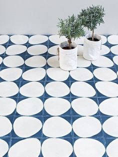 loving this blue and white tile