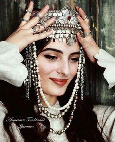 Armenian Women in Traditional Apparel Turkish Beauty, Indian Beauty, Armenian People, Armenian Culture, Fashion Dictionary, Hair Jewels, Beauty Around The World, Folk Fashion, Tribal Fusion