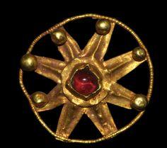 Roman Gold Floral Pendant, 1st/2nd century A.D.