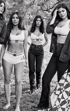 Le shooting sexy des sœurs Kardashian, l'ex-spice Girl Mel B c. Kendall Jenner Style, Kris Jenner, Kendalll Jenner, Kendall Y Kylie Jenner, Estilo Kylie Jenner, Kylie Jenner Bikini, Kourtney Kardashian, Estilo Kardashian, Kardashian Family