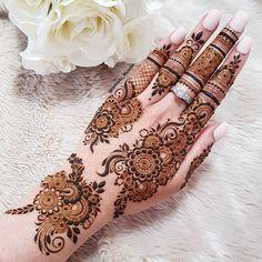 Henna Hand Designs, Dulhan Mehndi Designs, Mehandi Designs, Mehndi Designs Finger, Modern Henna Designs, Henna Tattoo Designs Simple, Mehendi, Full Hand Mehndi Designs, Mehndi Designs For Beginners