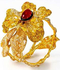 Cindy Chao - Bracelet ruby cabochon diamonds and yellow sapphire and diamonds Save by Antonella B. Rossi