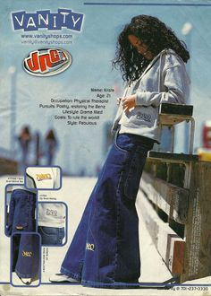 In the '90s, nobody wore skinny jeans unless they wanted to be laughed at. I predict this look will resurface in 5 years or less.
