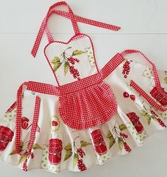 Farmhouse apron for womens , Red and white plaid cooking apron , Waterproof kitchen pinafore , Gingham cherry aprons - Avental