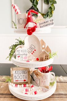 Diy Valentine's Day Decorations, Valentines Day Decorations, Valentine Day Crafts, Holiday Crafts, Holiday Fun, Valentine Table Decor, Valentines Day Tablescapes, Decor Ideas, Gift Ideas
