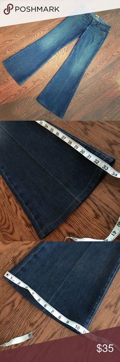 Paige Robertson Flare Jeans 29 Like new, super comfy & stylish with platform wedges for fall!  Measurements in pics. Paige Jeans Jeans Flare & Wide Leg