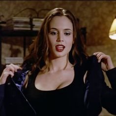 Faith Lehane is the only slayer - scratch that - the only anybody in Sunnydale with BDE and that ladies and gents is a hill I am willing to die on! Flippy Hair, Buffy Summers, Eliza Dushku, Michelle Rodriguez, Sarah Michelle Gellar, Joss Whedon, Buffy The Vampire Slayer, The Villain, Beautiful Actresses