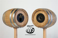 Cheers 3'' Luxury Sour (front/rear) su piedistallo Bat - Botte per aceto di Rovere 3L - 50W 8Ω  Cheers è l'innovativo diffusore acustico ad alta fedeltà brevettato © Exend.it #AudioBotti, #AudioBarrel, #BottiAcustiche, #WineSpeakers #HiFi