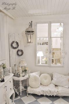 Shabby chic white home decor