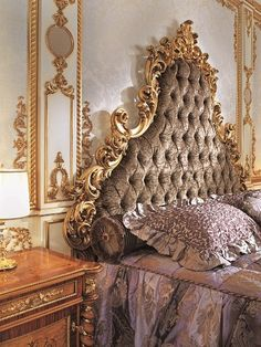 Italian Capitone Bedroom in Baroque Style - Top and Best Italian Classic Furniture