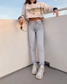2020 Women Jeans High Waisted Straight Leg Jeans Mid Rise Jeans Mum Jeans - Source by michaleamuenz - Cute Casual Outfits, Retro Outfits, Vintage Outfits, Summer Outfits, Vintage Jeans, Vintage Nike, Mode Outfits, Jean Outfits, Fashion Outfits