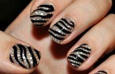 Diseños uñas de cebra, diseño de uñas cebra acrilicas. Únete al CLUB, síguenos! #uñasdemoda #nailsdesign #uñasdemoda