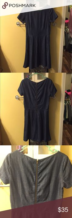 Denim Short Sleeve Dress dark denim. zipper in back. only worn once. in great condition! I so wish this fit me :( Banana Republic Dresses