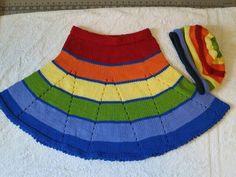 Kalan iplerimizi değerlendirebileceğimiz kolay ve güzel bir model. Malzemeler: Kırmızı ip Turuncu ip Sarı ip Yeşil ip Mavi ip Koyu mavi ip 3 .5 numara şiş Yapıl Baby Knitting Patterns, Baby Patterns, Knit Skirt, Knit Dress, Crochet Baby, Knit Crochet, Spinning Wool, Tunic Pattern, Sweater Design