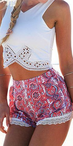 Fashion Lace Spliced Tops + Floral Print Shorts Two-piece Set