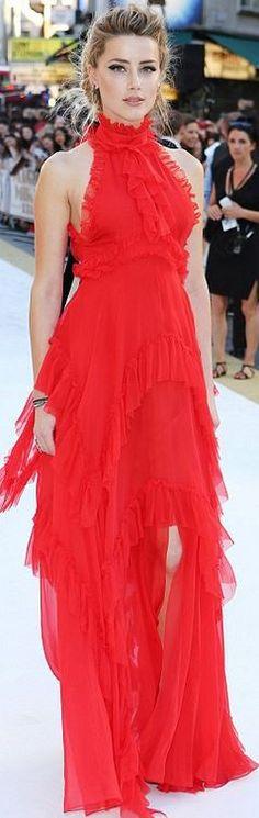 Amber Heard: Dress – Endless Summer  shoes – Birkenstock  Purse – Elena Ghisellini
