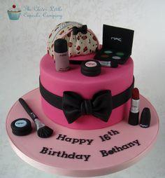 Makeup Bag Cake Tutorial Mac cosmetics cake by clever Make Up Torte, Make Up Cake, Love Cake, Girly Cakes, Fancy Cakes, Fondant Cakes, Cupcake Cakes, Mac Cake, White Chocolate Mud Cake
