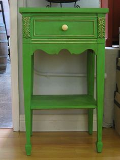 End table painted with Antibes Green Chalk Paint® | Project by stockist Artistic Home Studio  Boutique