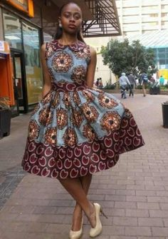 afrikanische kleider Proportion: Print and border 46 Of The Most Trending Street Style Looks To Wear Asap Proportion: Print and border Source African Dresses For Women, African Print Dresses, African Fashion Dresses, African Attire, African Wear, African Women, African Prints, African Outfits, African Style