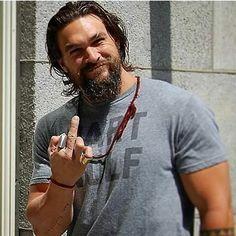 Middle finger salute. Jason Momoa