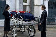Estefania (Melanie Laurent) und der junge Jorge (August Diehl) sehen sich auf dem Friedhof wieder  © 2013 Sam Emerson / Concorde Filmverleih