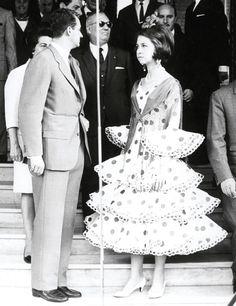 Juan Carlos et Sophie Adele, Flamenco Costume, Bourbon, Queen Sophia, Spanish Royalty, Estilo Real, Monaco Royal Family, Quelques Photos, Queen Dress