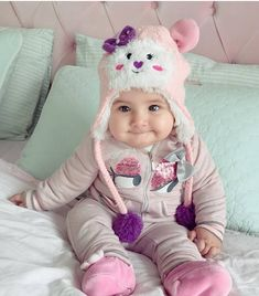 53 Best Ideas For Cute Baby Boy Pictures Smile Cute Baby Boy Photos, Cute Kids Pics, Baby Boy Pictures, Cute Babies Photography, Cute Baby Wallpaper, Cute Little Baby, Baby Boy Newborn, Baby Gap, Cute Baby Clothes