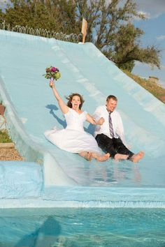 Ok this is so cute doing this for my future wedding haha(; Wedding Themes, Wedding Photos, Wedding Ideas, Pre Wedding Poses, Anniversary Photos, Nautical Wedding, Marry You, Hawaii Wedding, Youre Invited