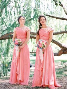 Peach and Lace Bridesmaids Dresses | photography by http://featherandstone.com.au/