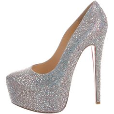 Pre-owned Christian Louboutin Daffodile Strass Pumps ($1,995) ❤ liked on Polyvore featuring shoes, pumps, pink, pink shoes, pink pointy toe pumps, leather pointed toe pumps, iridescent pumps and metallic pumps