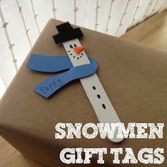 stecchi di legno, pupazzi di neve, chiudipacco - Sewing Barefoot: snowmen gift tags