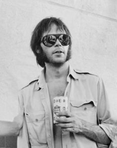 foreverneilyoung: Could Neil look any cooler here?