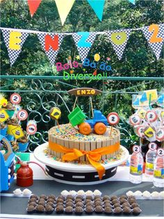 Caminhões e Cia. Festa Monster Truck, Monster Trucks, Ideas Para, Birthday, Leonardo, Party, Lucca, Disney, Industrial Kids Decor