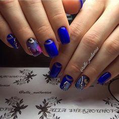 Such vivid and stylish nails can be made as evening manicure.So far asrich blue goesnot out of fashion you can ...