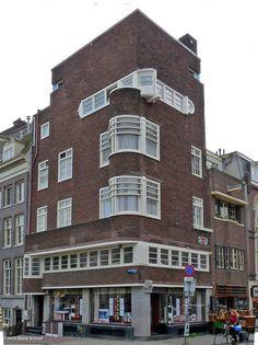 Amsterdam School, Keizersgracht 660/Vijzelgracht 81-83. 1926-1928 by Cornelis Kruyswijk.
