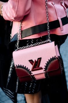 Bags   Louis Vuitton   Trend   Streetstyle   More on Fashionchick.nl