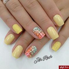 Manicure w nowej odsłonie - poznaj jego czar! Gel Nail Art, Nail Art Diy, Flower Nail Designs, Nail Art Designs, Yellow Nails, Pink Nails, Magic Nails, Metallic Nails, Flower Nails