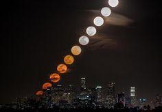 Montaje de 11 fotos. Sale la luna
