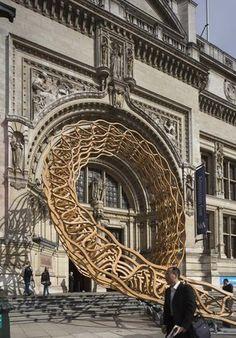 Timber Wave. Extreño artefacto de madera presente en el Festival de Diseño de Londres del año pasado.