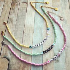 Bead Jewellery, Beaded Jewelry, Handmade Jewelry, Beaded Choker Necklace, Diy Necklace, Beaded Bracelet Patterns, Beaded Bracelets, Cute Jewelry, Jewelry Crafts