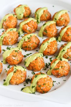 Baked Salmon Meatballs with Creamy Avocado Sauce...Fantastic flavor & packed with omega-3s! 295 calories and 7 Weight Watchers PP | cookinca...