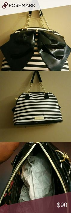 Betsey Johnson Betsey Johnson tote black and white authentic brand new with tag designed faux leather top zip closure gold tone hardware with black accent bow Betsey Johnson Bags Totes