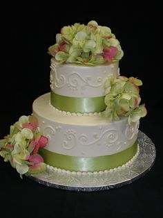 hydrangea wedding cakes on pinterest blue hydrangea wedding hydrangea wedding flowers and. Black Bedroom Furniture Sets. Home Design Ideas