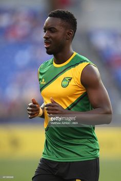 simon-dawkins-of-jamaica-during-the-gold-cup-quarter-final-between-picture-id481966848 (683×1024)
