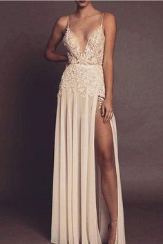 spaghetti Long party dress Sexy V-neckline prom dress Champagne Open Back evening Dress from Beauty Spaghetti Langes Abendkleid Sexy V-Ausschnitt Abendkleid Champagner Open Back Abendkleid Quince Dresses, Gala Dresses, Evening Dresses, Homecoming Dresses, Bridesmaid Dresses, Wedding Dresses, Dress Prom, Pretty Dresses, Sexy Dresses