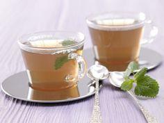 Zitrustee: Volles Zitronen-Aroma bei null Kalorien - den Tee schlürft man gern! Die Kräuter helfen dem Körper dabei, den Fettstoffwechsel anzukurbeln.
