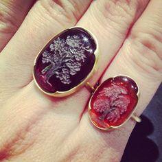 Garnet intaglio rings from Gabriella Kiss at QUADRUM!