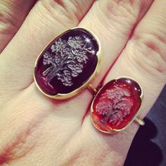 Garnet intaglio rings from Gabriella Kiss at QUADRUM!
