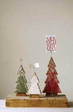 We offer & Wood Tree Photo/Card Holders, Set of 3 & more. Pallet Christmas Tree, Christmas Wood Crafts, Homemade Christmas Gifts, Country Christmas, Christmas Signs, All Things Christmas, Holiday Crafts, Christmas Holidays, Christmas Decorations